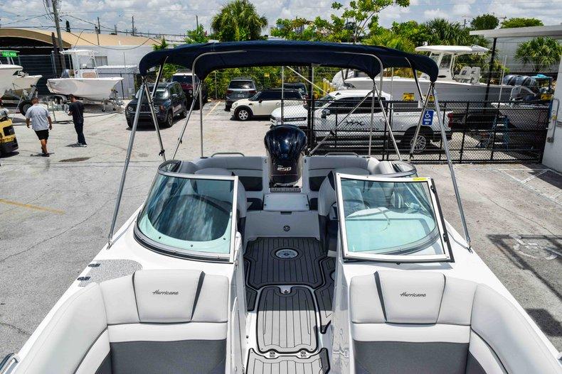 Thumbnail 71 for New 2019 Hurricane SunDeck SD 2486 OB boat for sale in Fort Lauderdale, FL