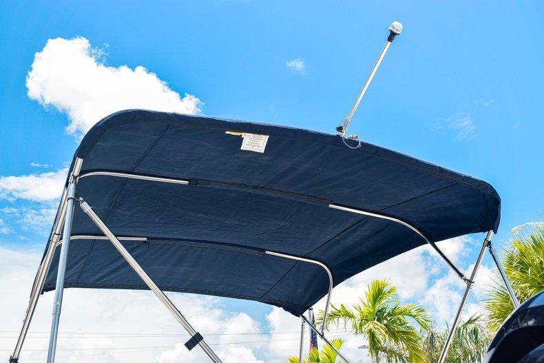 Thumbnail 8 for New 2019 Hurricane SunDeck SD 2486 OB boat for sale in Fort Lauderdale, FL