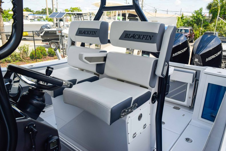 Thumbnail 34 for New 2019 Blackfin 272CC Center Console boat for sale in Fort Lauderdale, FL