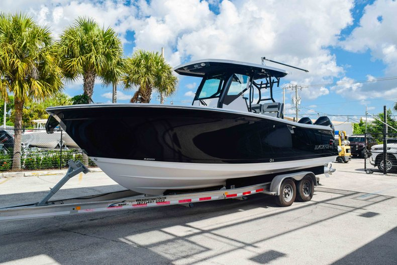 Thumbnail 3 for New 2019 Blackfin 272CC Center Console boat for sale in Fort Lauderdale, FL