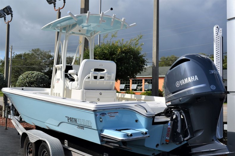 Thumbnail 6 for New 2020 Pathfinder 2600 HPS Bay Boat boat for sale in Fort Lauderdale, FL