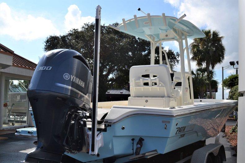 Thumbnail 8 for New 2020 Pathfinder 2600 HPS Bay Boat boat for sale in Fort Lauderdale, FL