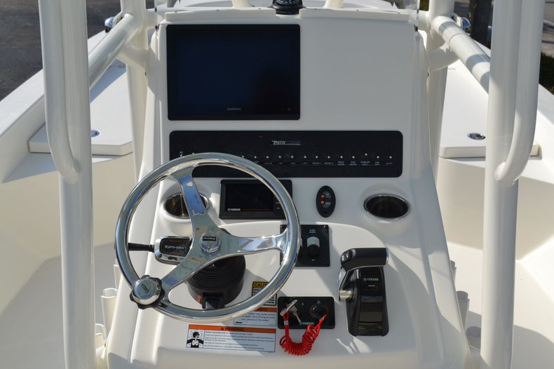 Thumbnail 15 for New 2020 Pathfinder 2600 HPS Bay Boat boat for sale in Fort Lauderdale, FL