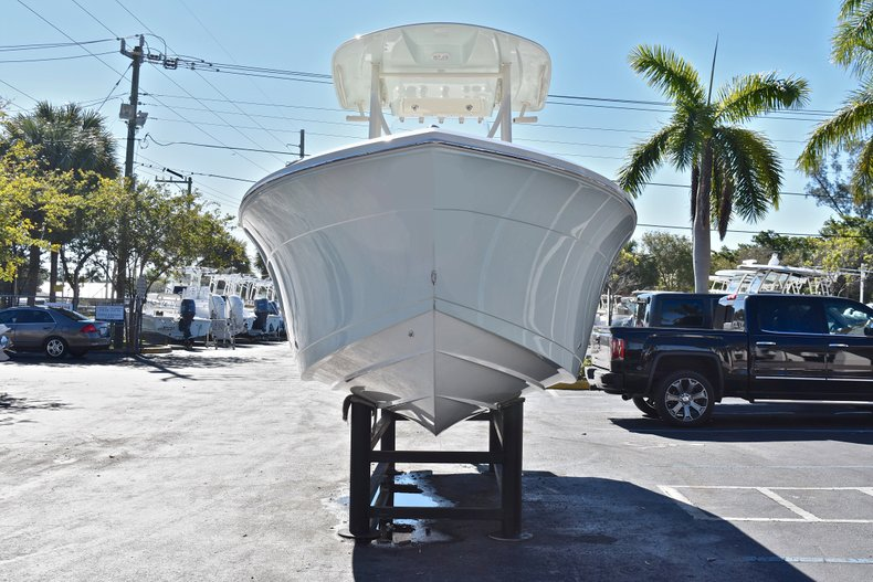 Thumbnail 1 for New 2018 Cobia 220 Center Console boat for sale in Islamorada, FL
