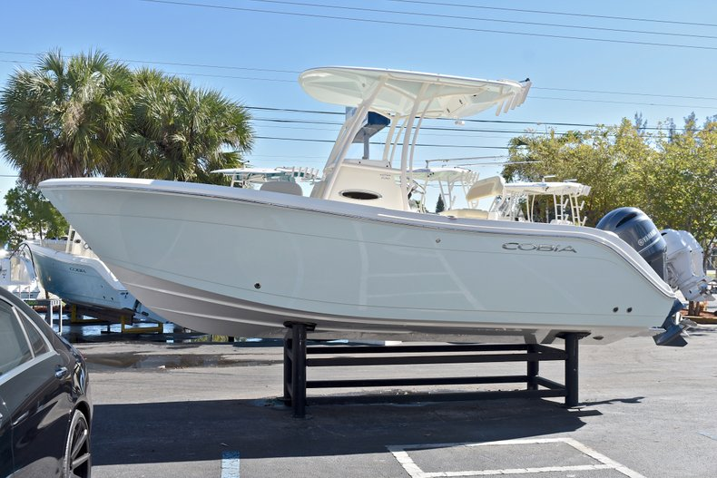 Thumbnail 2 for New 2018 Cobia 220 Center Console boat for sale in Islamorada, FL