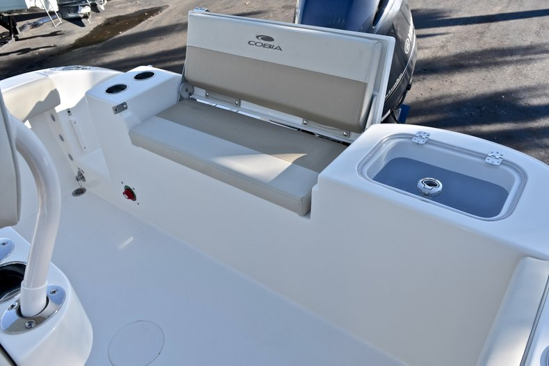 Thumbnail 7 for New 2018 Cobia 220 Center Console boat for sale in Islamorada, FL