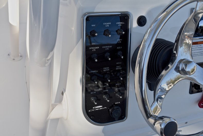 Thumbnail 23 for New 2018 Cobia 220 Center Console boat for sale in Islamorada, FL