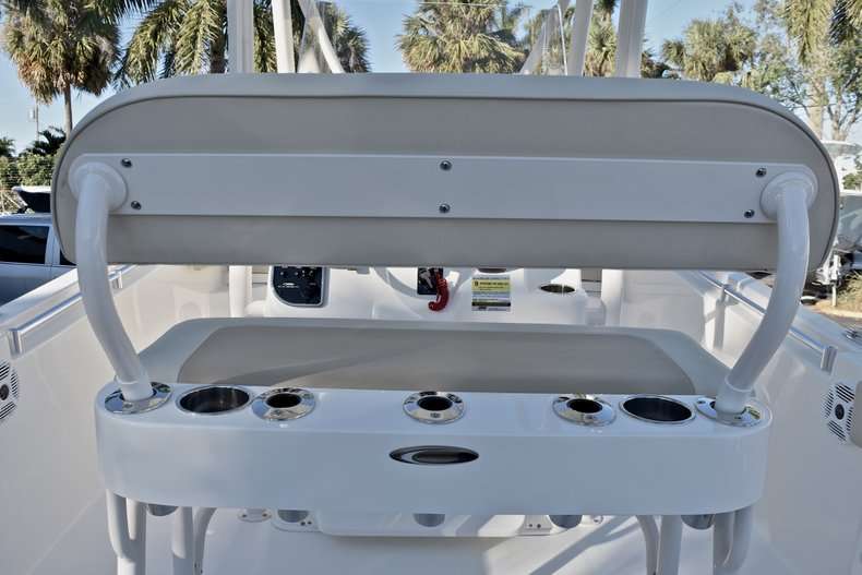 Thumbnail 12 for New 2018 Cobia 220 Center Console boat for sale in Islamorada, FL