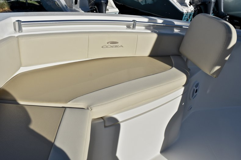 Thumbnail 34 for New 2018 Cobia 220 Center Console boat for sale in Islamorada, FL