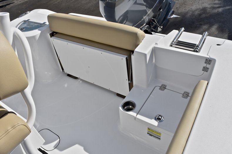 Thumbnail 10 for New 2018 Sportsman Open 212 Center Console boat for sale in Islamorada, FL