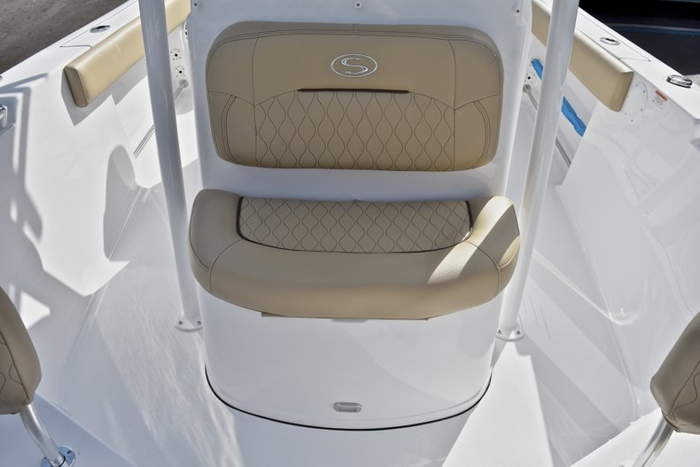 Thumbnail 40 for New 2018 Sportsman Open 212 Center Console boat for sale in Islamorada, FL
