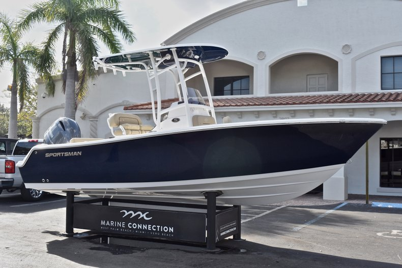Thumbnail 1 for New 2018 Sportsman Open 212 Center Console boat for sale in Islamorada, FL