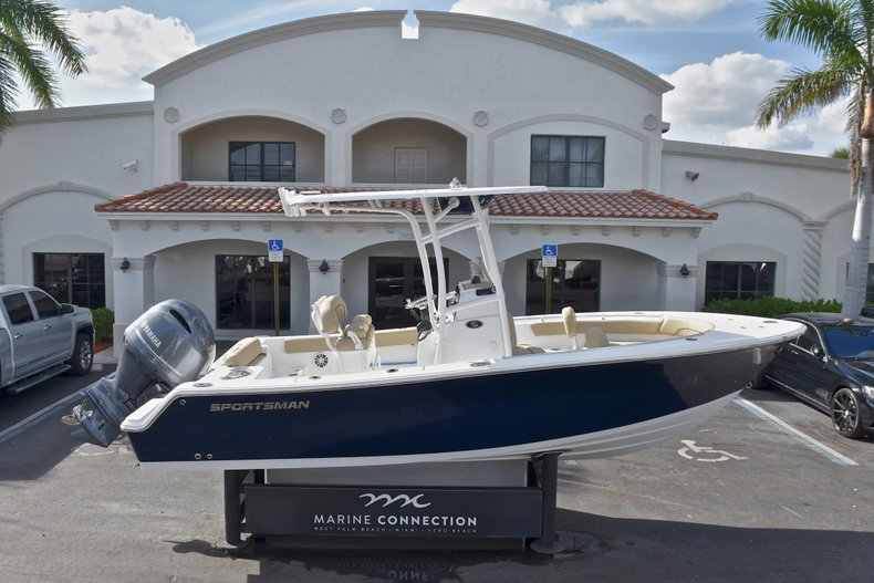 Thumbnail 0 for New 2018 Sportsman Open 212 Center Console boat for sale in Islamorada, FL