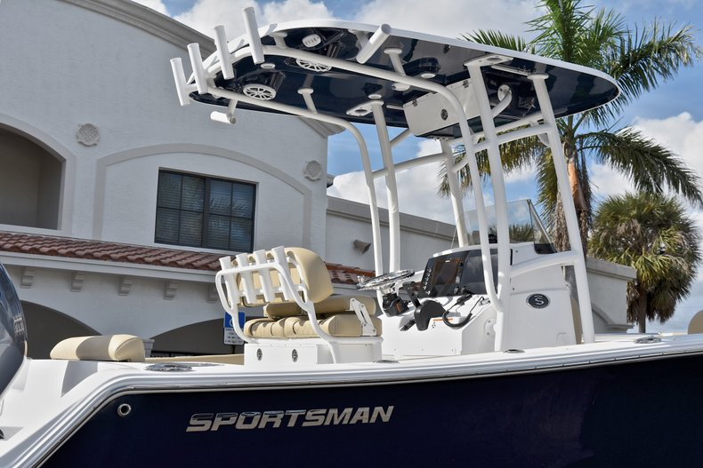 Thumbnail 8 for New 2018 Sportsman Open 212 Center Console boat for sale in Islamorada, FL