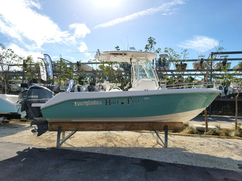 Thumbnail 1 for Used 2015 Everglades 230 CC Center Console boat for sale in Islamorada, FL