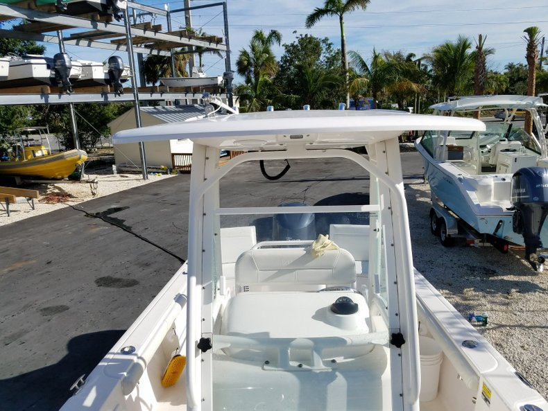 Thumbnail 11 for Used 2015 Everglades 230 CC Center Console boat for sale in Islamorada, FL