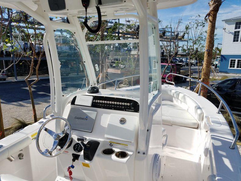 Thumbnail 4 for Used 2015 Everglades 230 CC Center Console boat for sale in Islamorada, FL