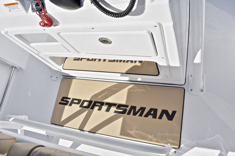 Image 35 for 2018 Sportsman Heritage 211 Center Console in West Palm Beach, FL