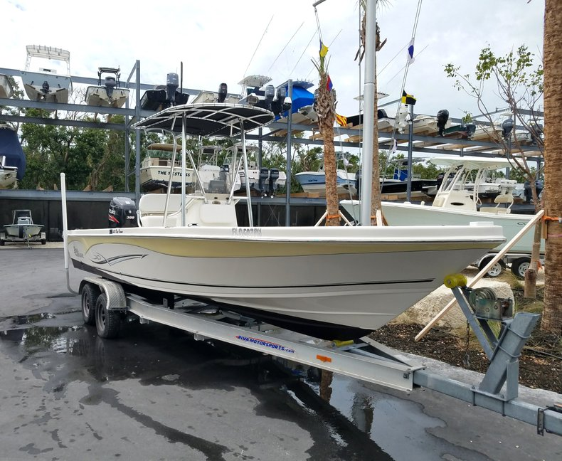 Thumbnail 1 for Used 2013 Sea Chaser 25 LX Bayrunner boat for sale in Islamorada, FL