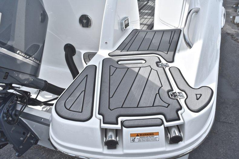 Thumbnail 8 for New 2018 Hurricane SunDeck SD 2400 OB boat for sale in Islamorada, FL