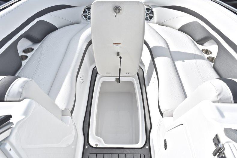 Thumbnail 45 for New 2018 Hurricane SunDeck SD 2400 OB boat for sale in Islamorada, FL