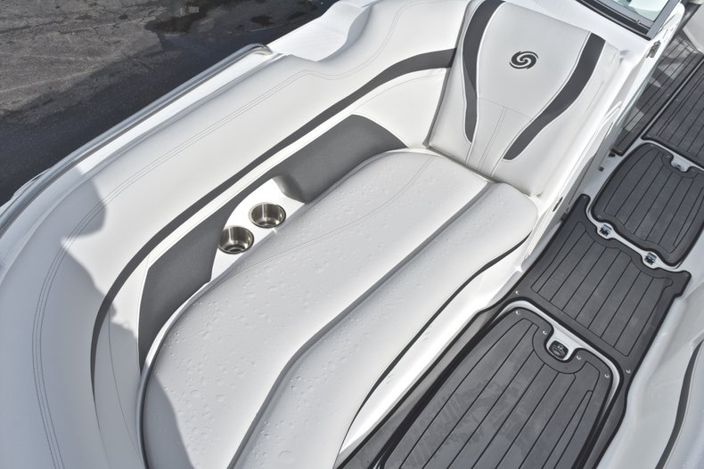 Thumbnail 50 for New 2018 Hurricane SunDeck SD 2400 OB boat for sale in Islamorada, FL