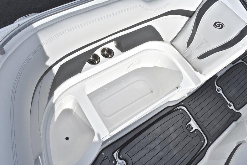 Thumbnail 51 for New 2018 Hurricane SunDeck SD 2400 OB boat for sale in Islamorada, FL