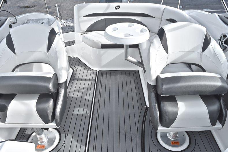 Thumbnail 38 for New 2018 Hurricane SunDeck SD 2400 OB boat for sale in Islamorada, FL