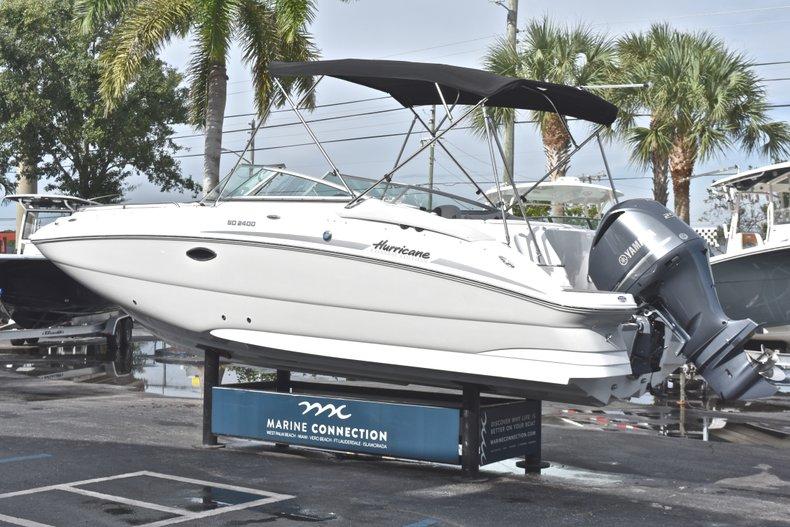 Thumbnail 5 for New 2018 Hurricane SunDeck SD 2400 OB boat for sale in Islamorada, FL