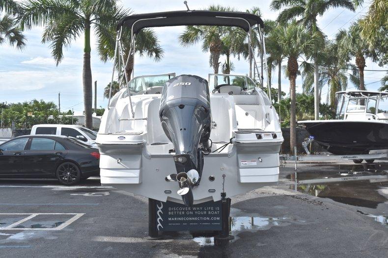 Thumbnail 6 for New 2018 Hurricane SunDeck SD 2400 OB boat for sale in Islamorada, FL