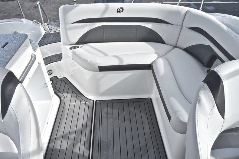 Thumbnail 17 for New 2018 Hurricane SunDeck SD 2400 OB boat for sale in Islamorada, FL