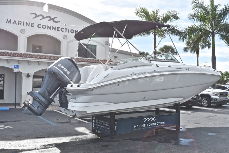 Thumbnail 7 for New 2018 Hurricane SunDeck SD 2400 OB boat for sale in Islamorada, FL