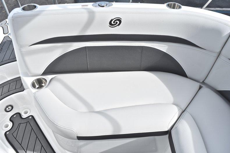 Thumbnail 18 for New 2018 Hurricane SunDeck SD 2400 OB boat for sale in Islamorada, FL