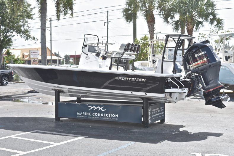 Thumbnail 5 for New 2019 Sportsman Tournament 214 Bay Boat boat for sale in Islamorada, FL