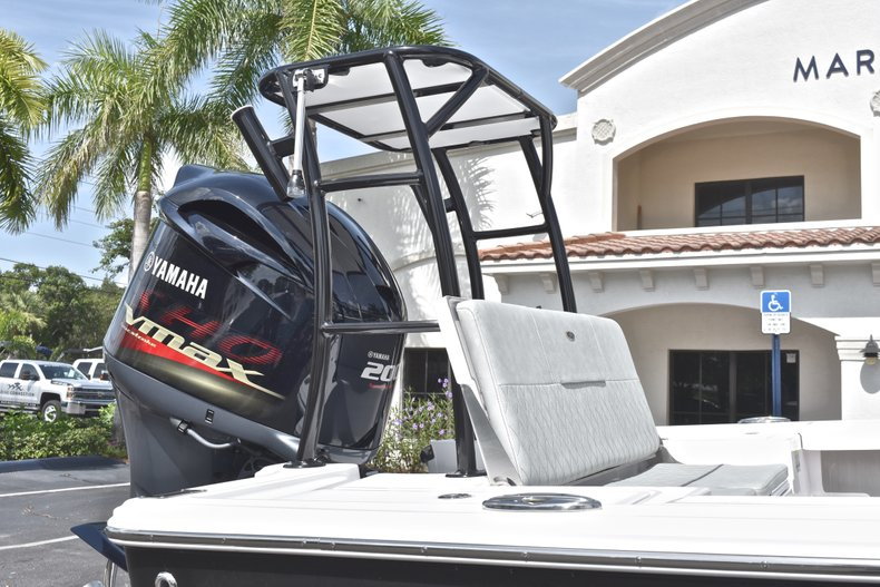 Thumbnail 8 for New 2019 Sportsman Tournament 214 Bay Boat boat for sale in Islamorada, FL