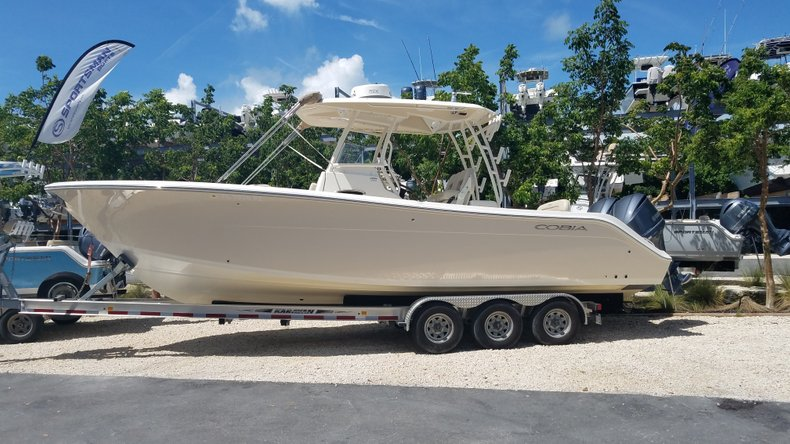 Used 2016 Cobia 296 Center Console boat for sale in Islamorada, FL