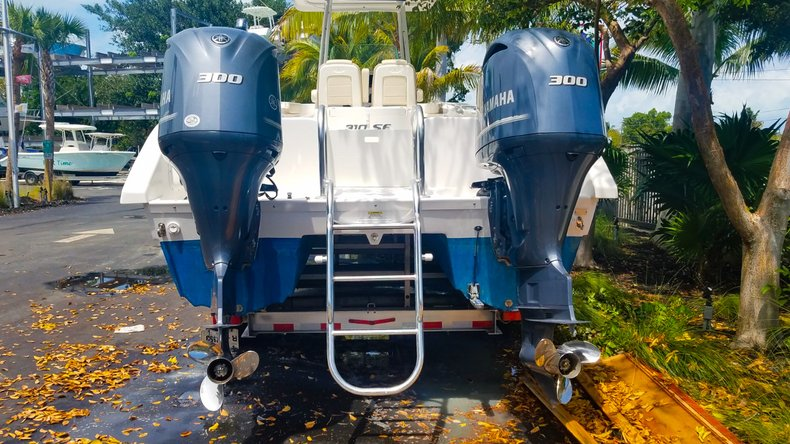 Thumbnail 5 for Used 2017 Twin Vee 310 SE boat for sale in Islamorada, FL