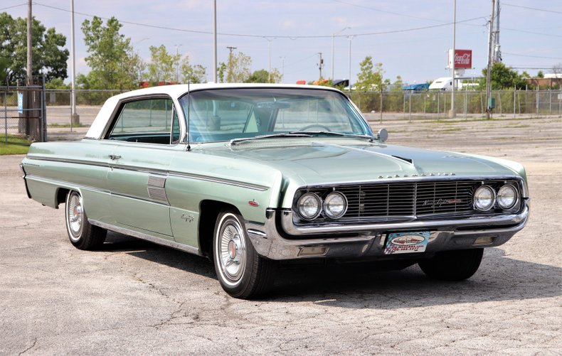 1962 oldsmobile 98 holiday coupe