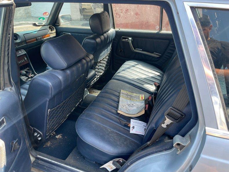 1982 mercedes benz 300