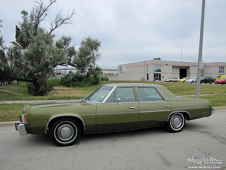 1975 chrysler newport 4 door sedan