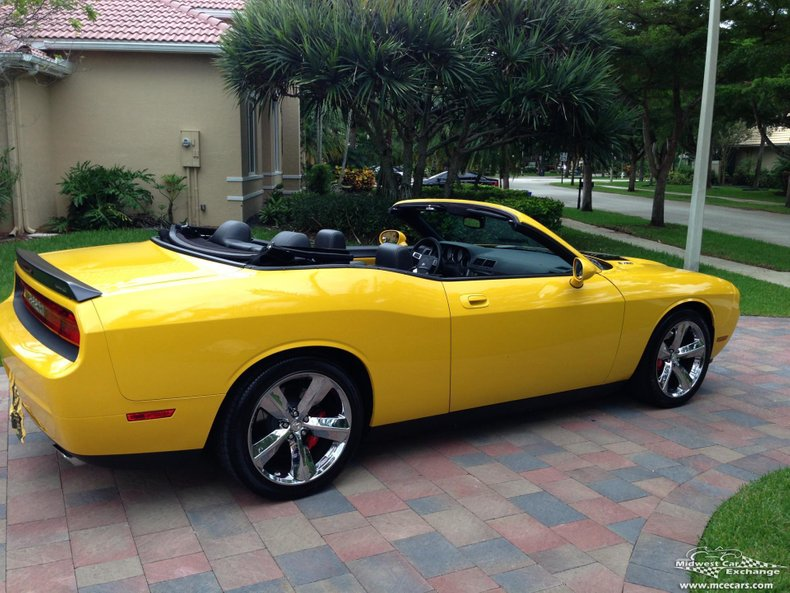 2010 dodge challenger srt8 convertible