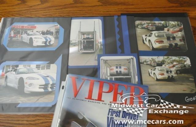 1998 dodge viper gts r