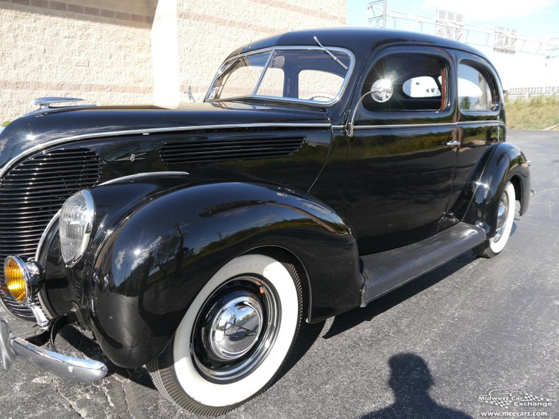 1938 ford deluxe tudor