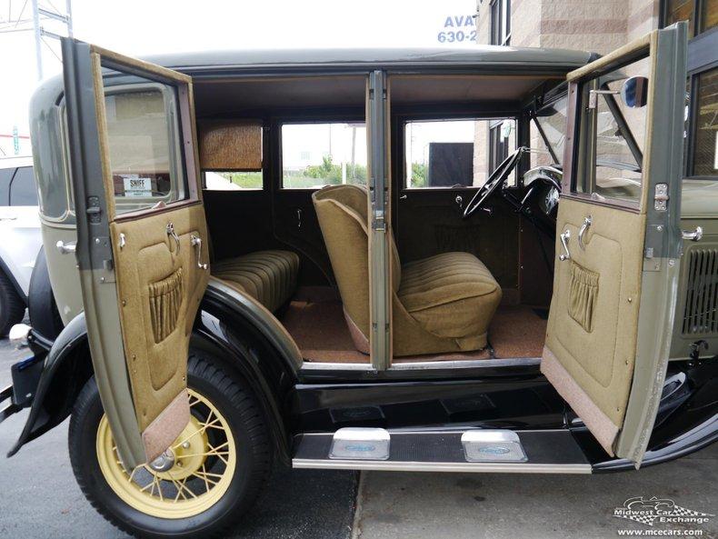 1930 ford town sedan fordor model 155d
