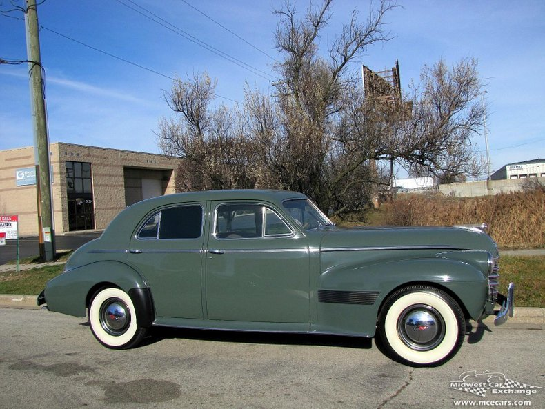 1940 Oldsmobile Series 90 Custom Cruiser