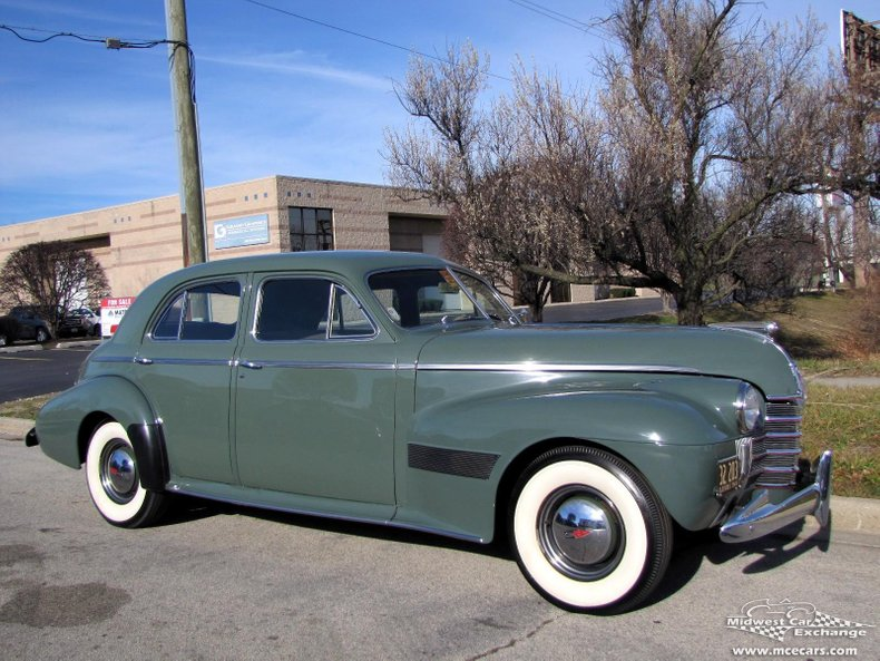 1940 oldsmobile series 90 custom cruiser 4 door