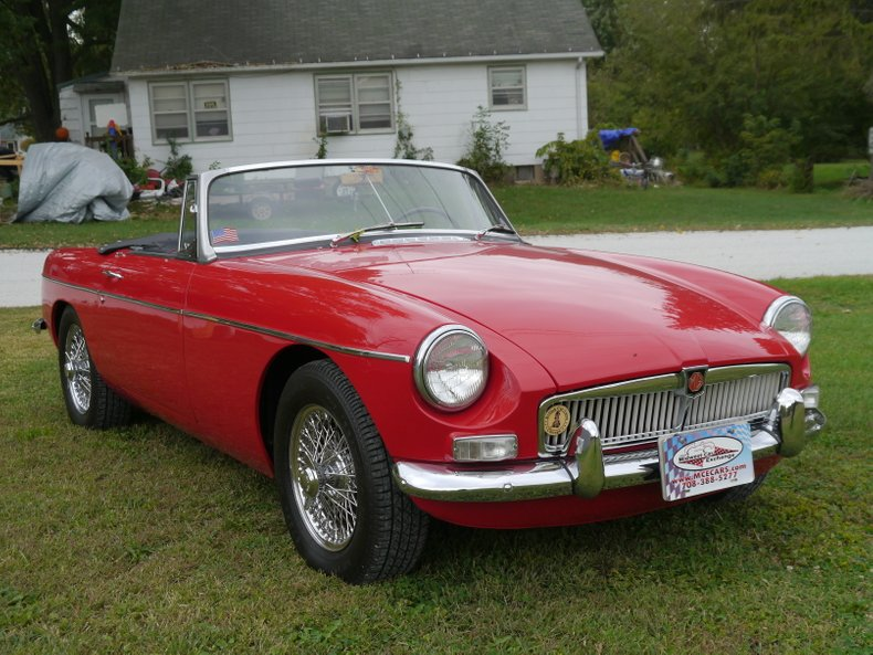 1967 MG MGB | Midwest Car Exchange