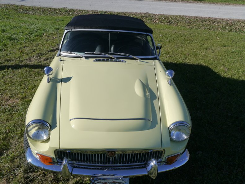 1969 MG MGC | Midwest Car Exchange