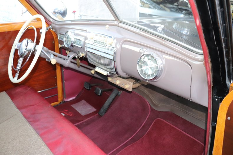 1947 pontiac streamliner woodie