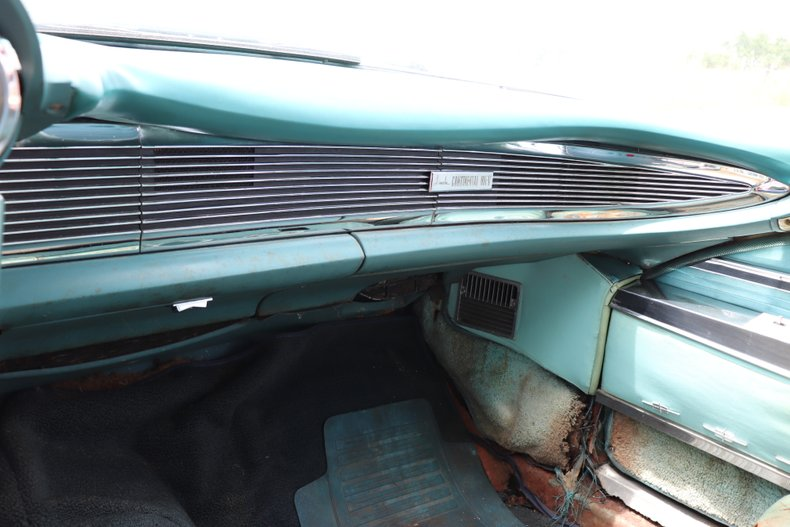 1960 lincoln continental mark v